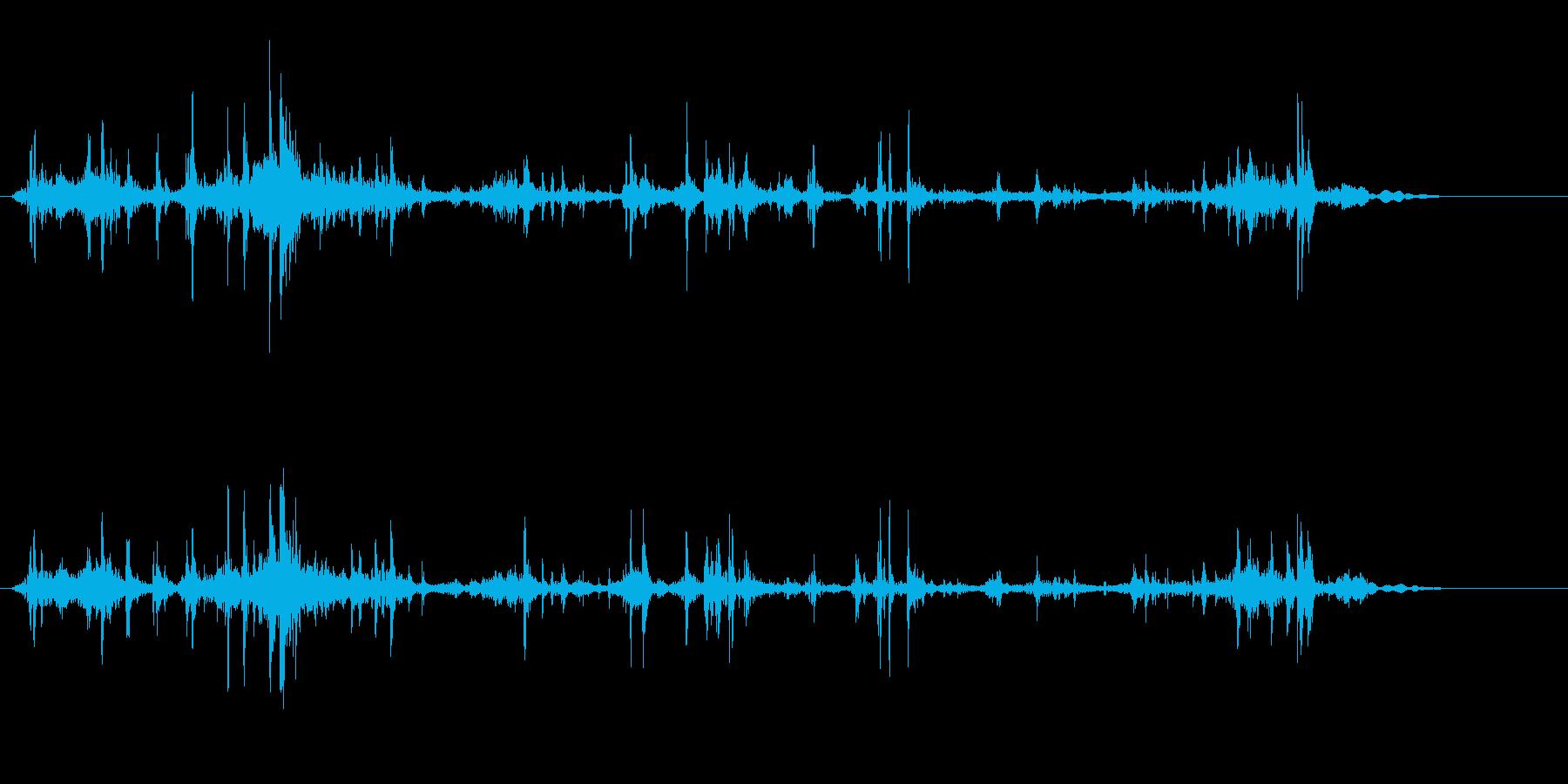 クシャクシャ(紙などをクシャッとする音)の再生済みの波形