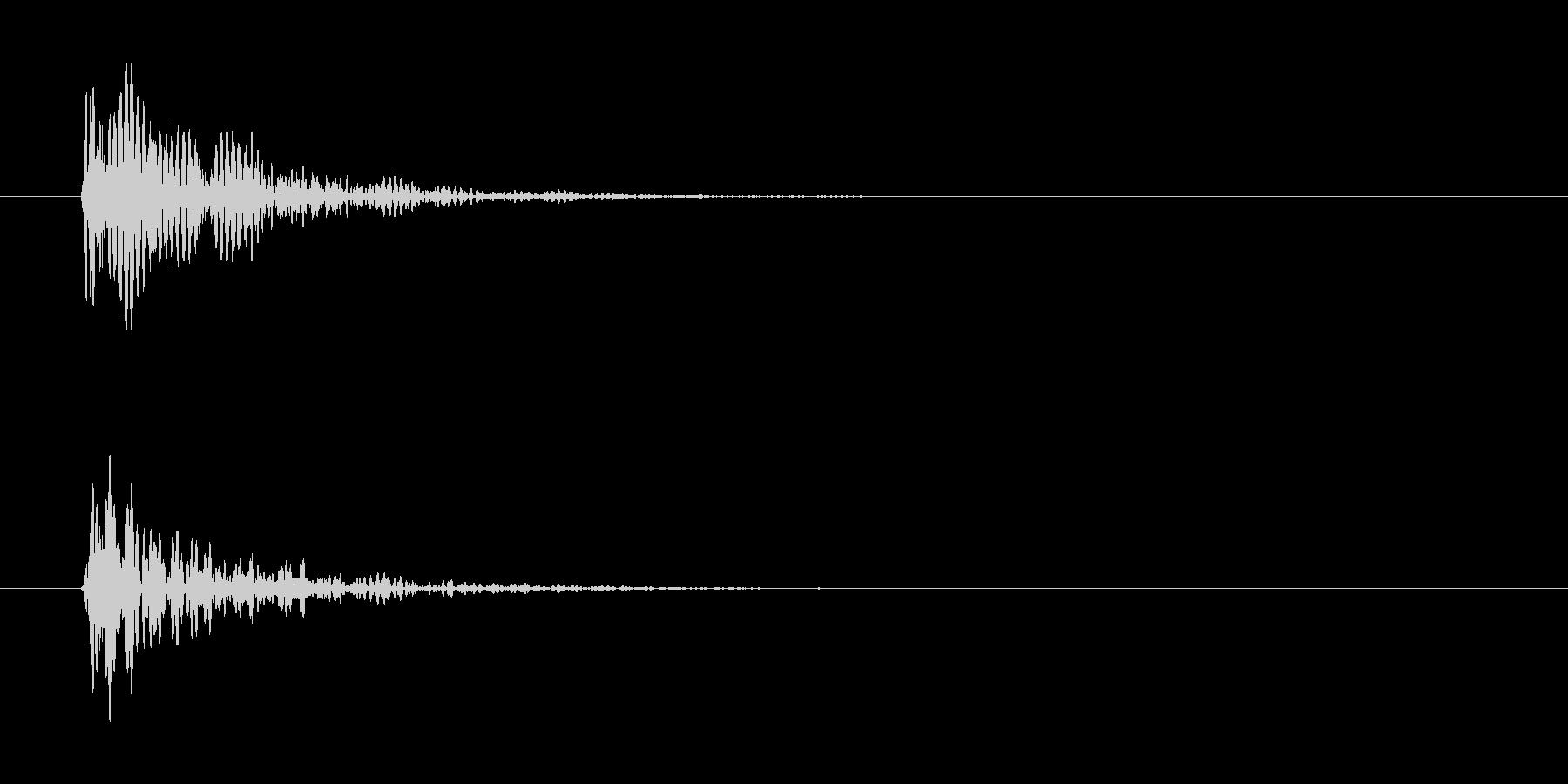 ドン(金属っぽい)の未再生の波形