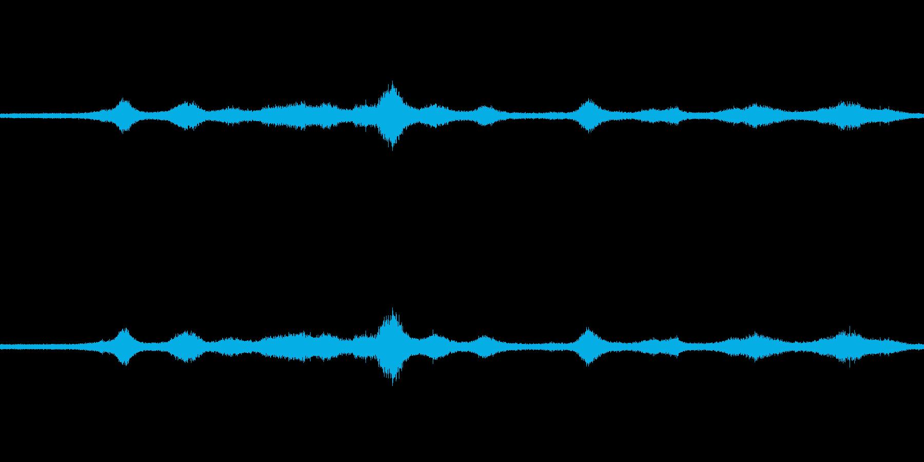 【生音】雨の日の通行音 - 9 雨 車…の再生済みの波形