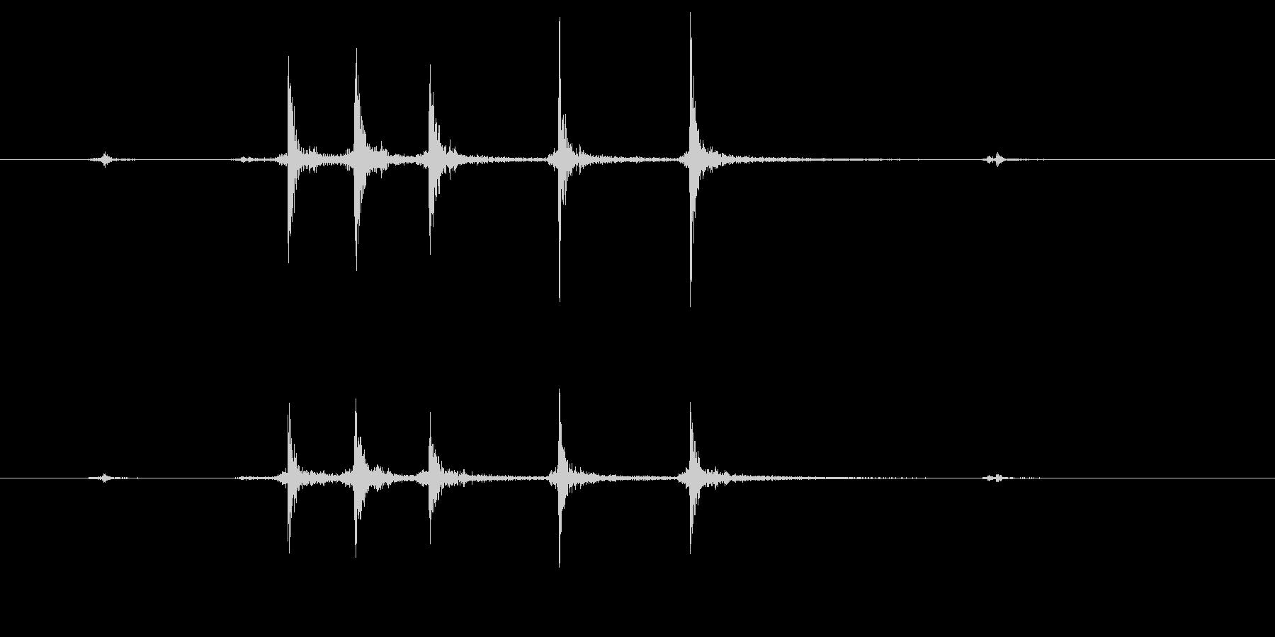 カッターの刃を出すの未再生の波形