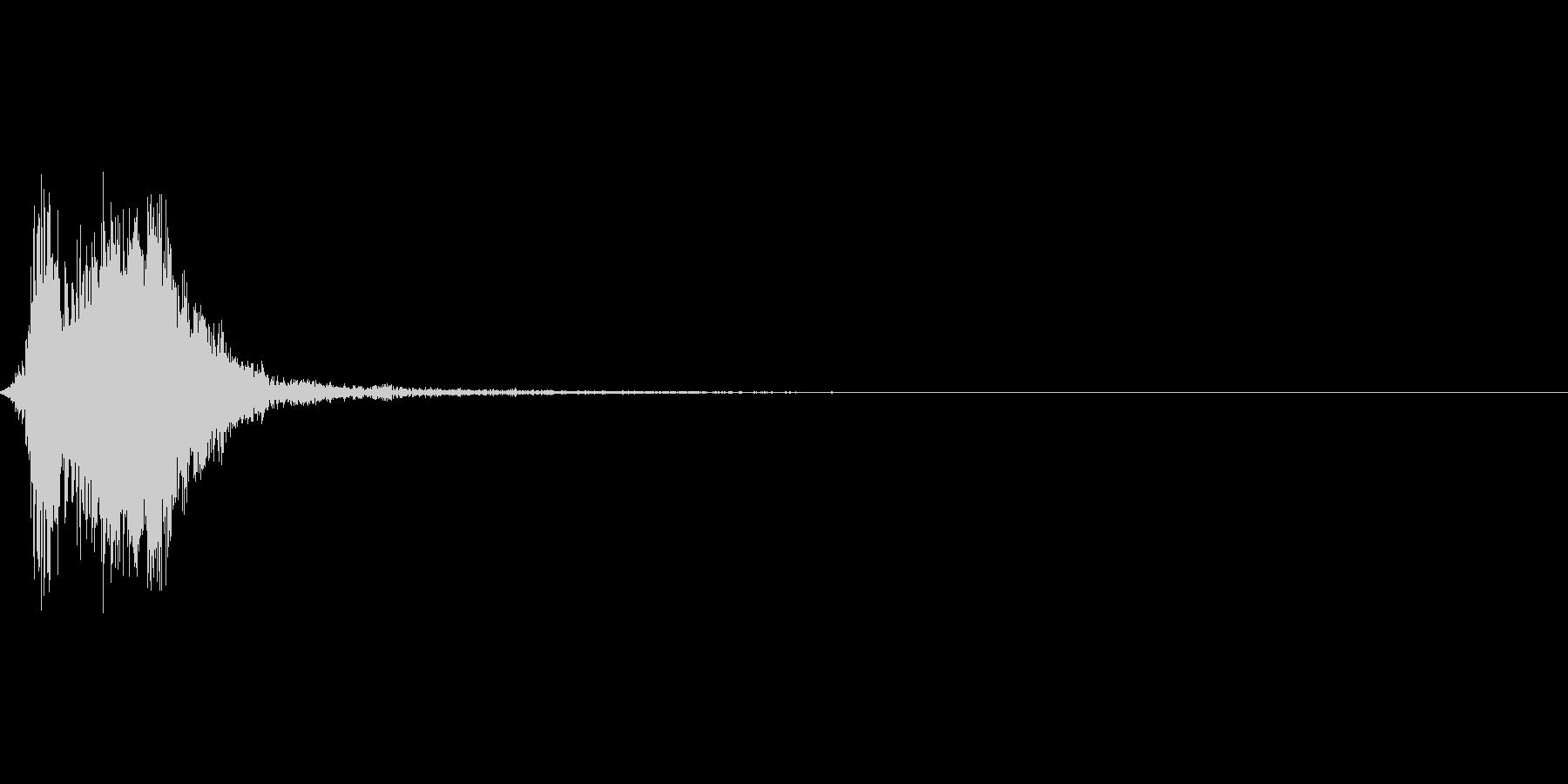 剣や斧などの武器を振りダメージ音をプラスの未再生の波形