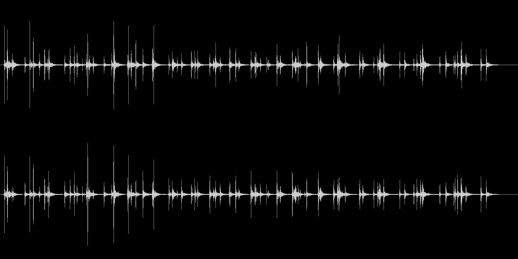 少人数の拍手の未再生の波形