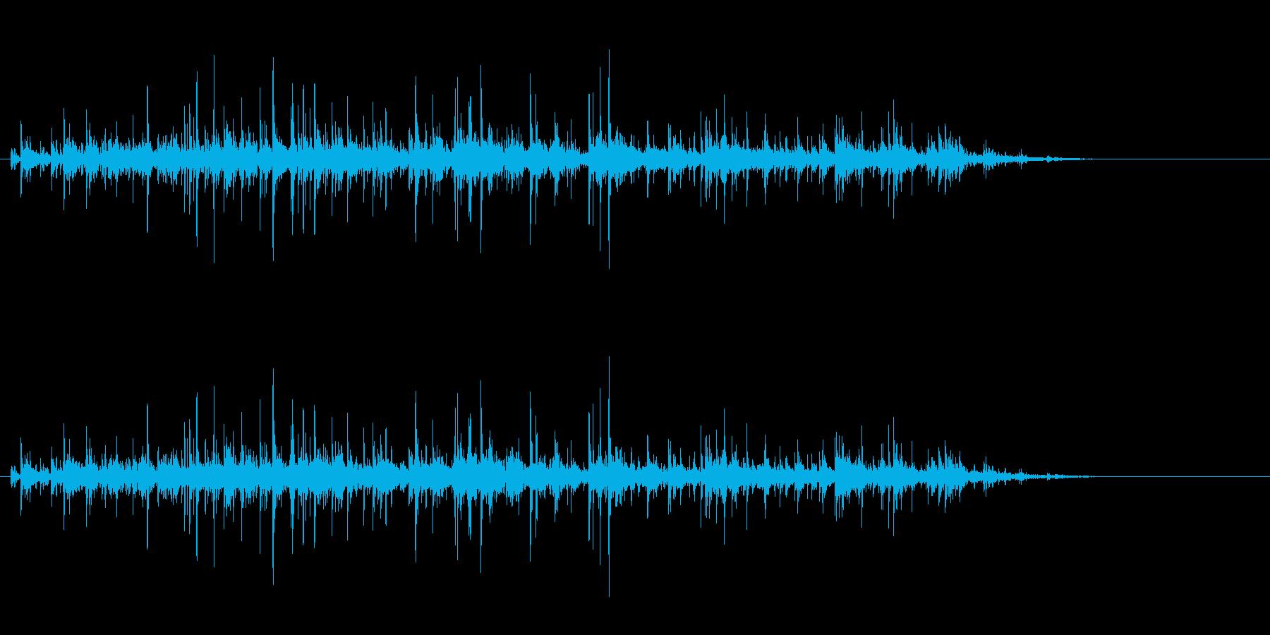 「カラカラ〜」ウッドチャイムの音リバーブの再生済みの波形