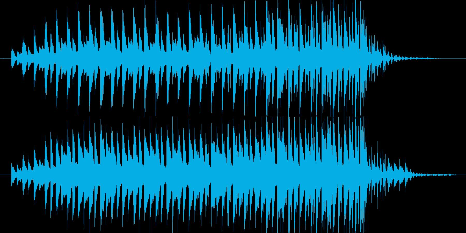 30秒ちょうどの音源です。ピアノとデジ…の再生済みの波形