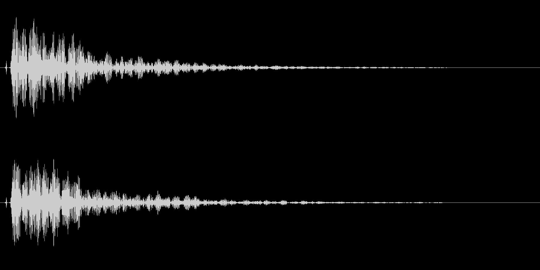 和太鼓。「ドドン」の未再生の波形