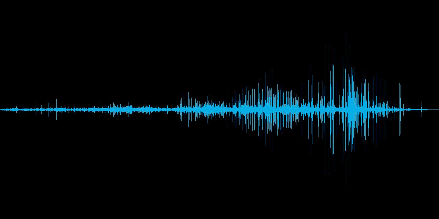 縄が軋む音の再生済みの波形