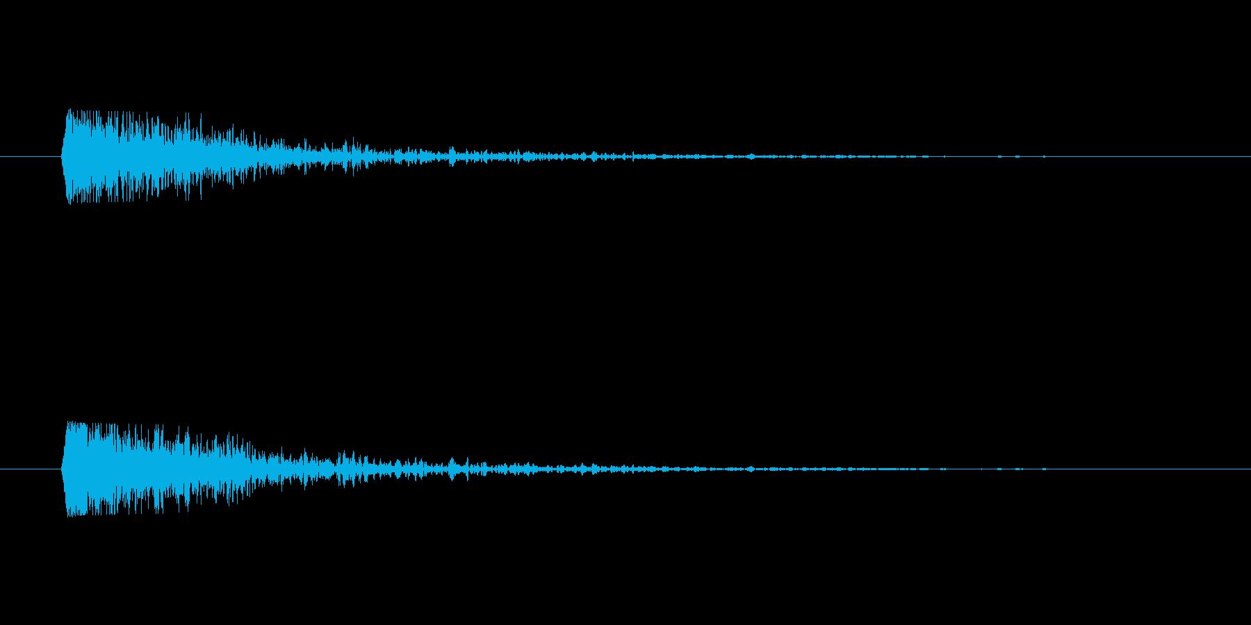 どーん、鉄の思い扉を閉める音の再生済みの波形