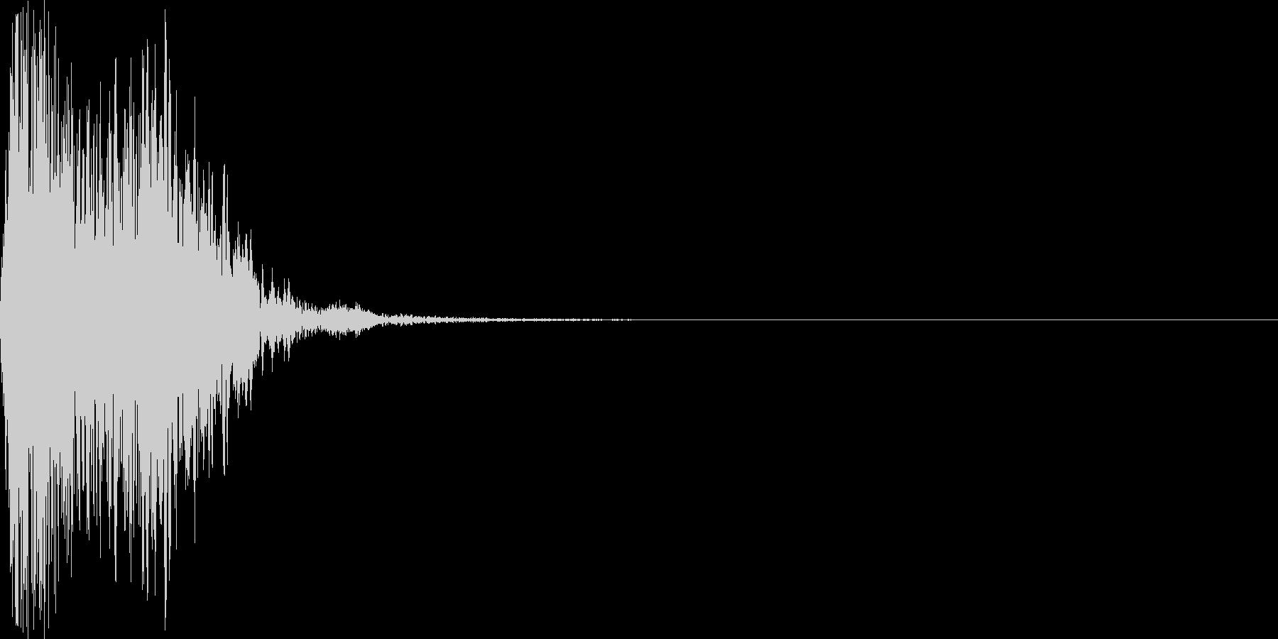 剣や斧などの武器を振る音の未再生の波形