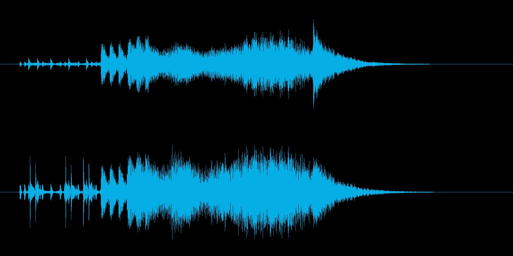 恐怖を演出する楽器の不協和音の再生済みの波形