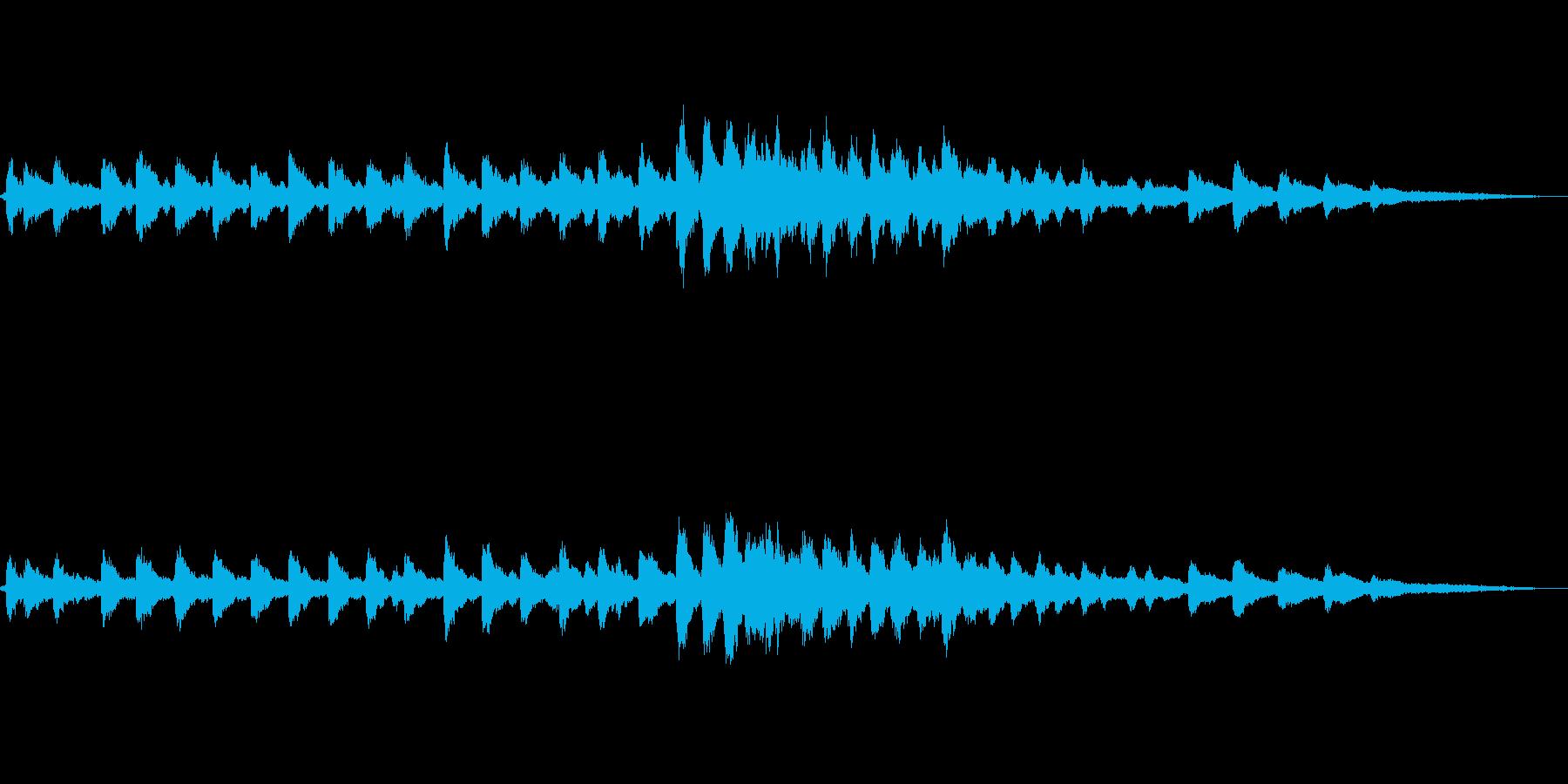 【環境音】教会の鐘01(バイノーラル録音の再生済みの波形
