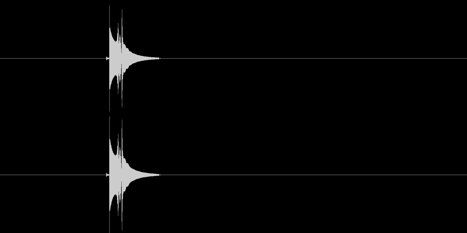 プイッ(シンプルな軽い決定音)の未再生の波形