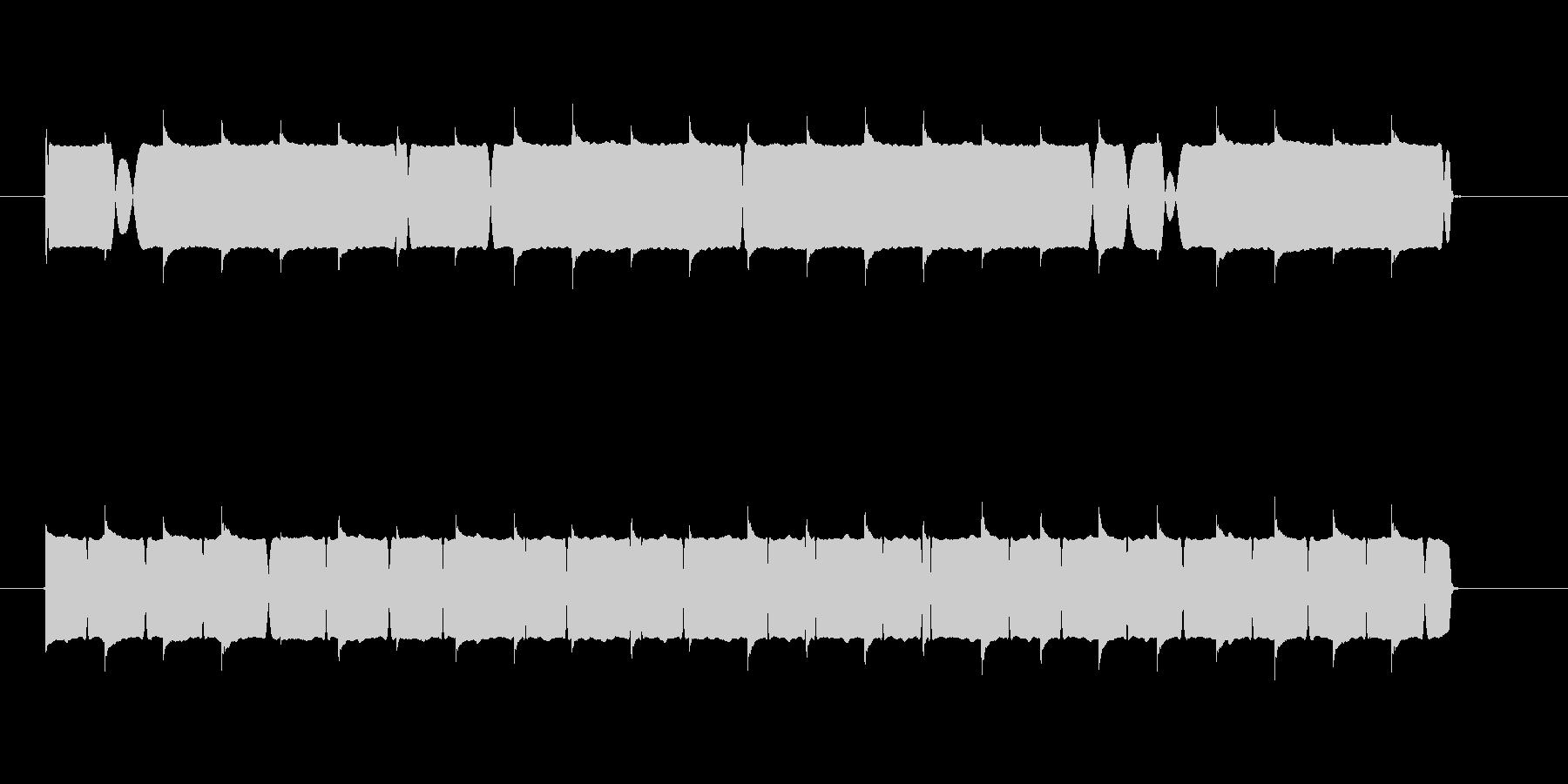 低めの音質のサイレン音の未再生の波形