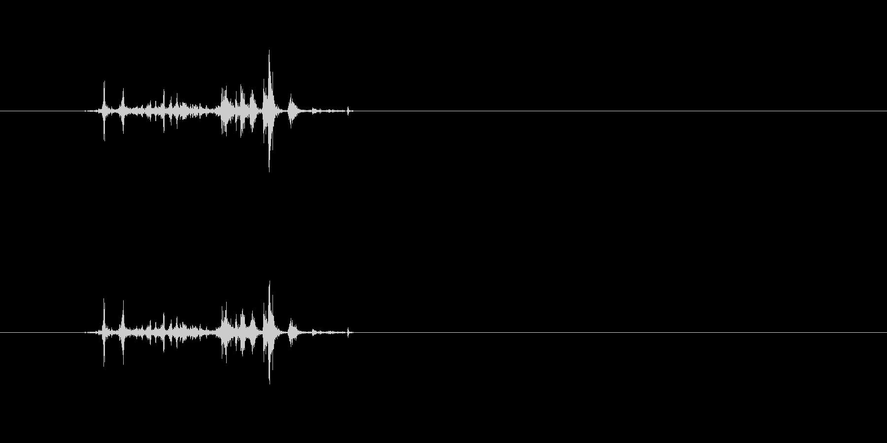 パラララ (本を開いたりページ送り音1)の未再生の波形