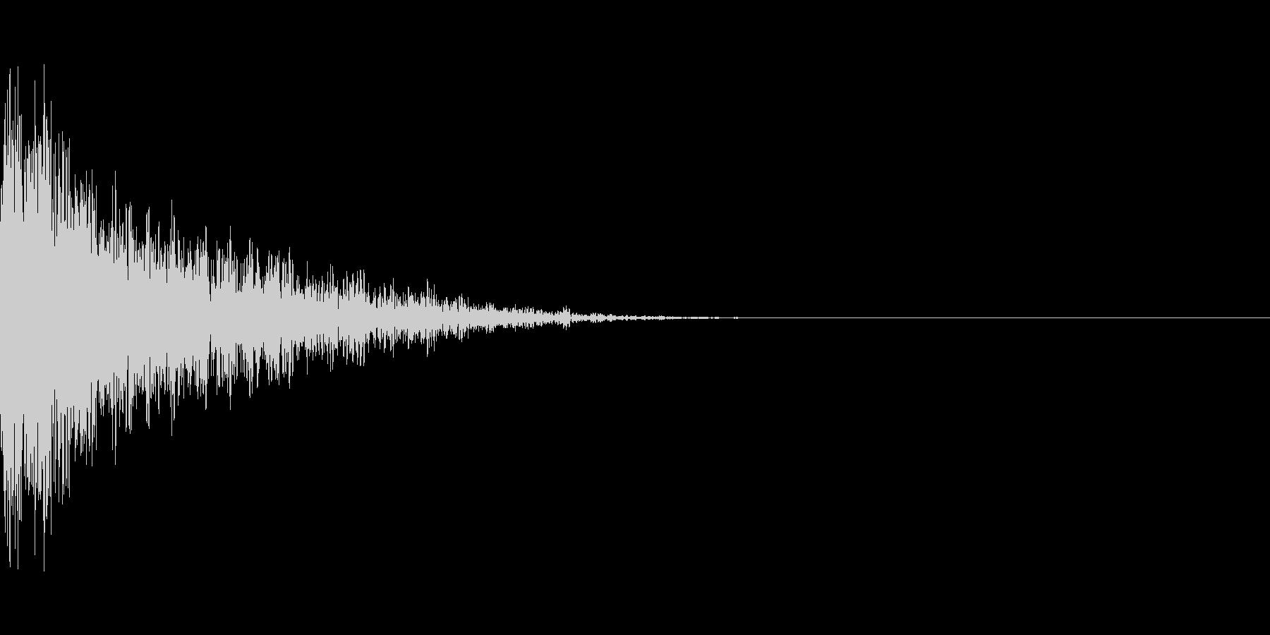 重めの銃声音の未再生の波形