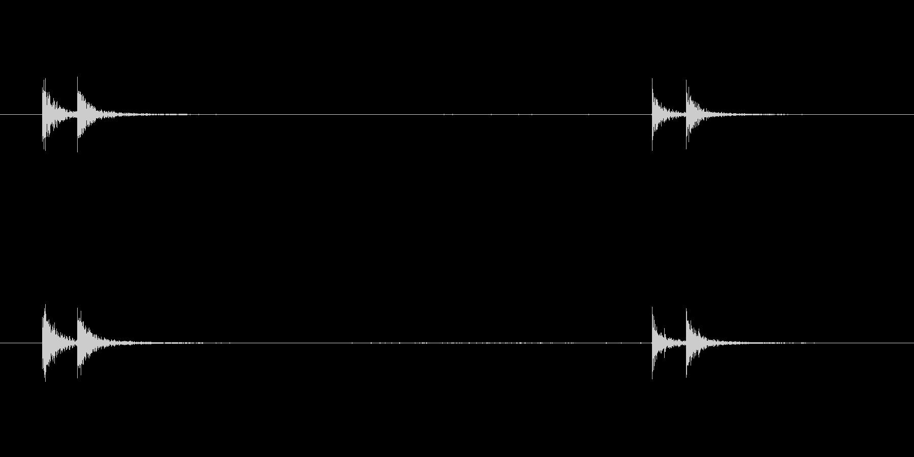 ノックする音 (鉄製の扉)の未再生の波形