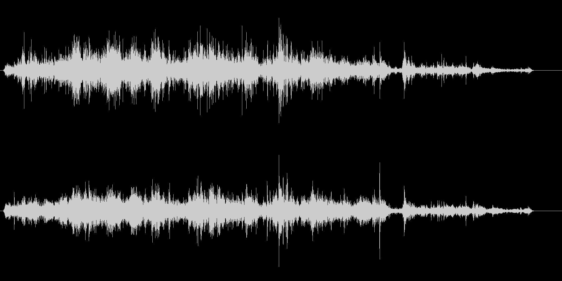 クシャクシャクシャ(紙のような効果音)の未再生の波形