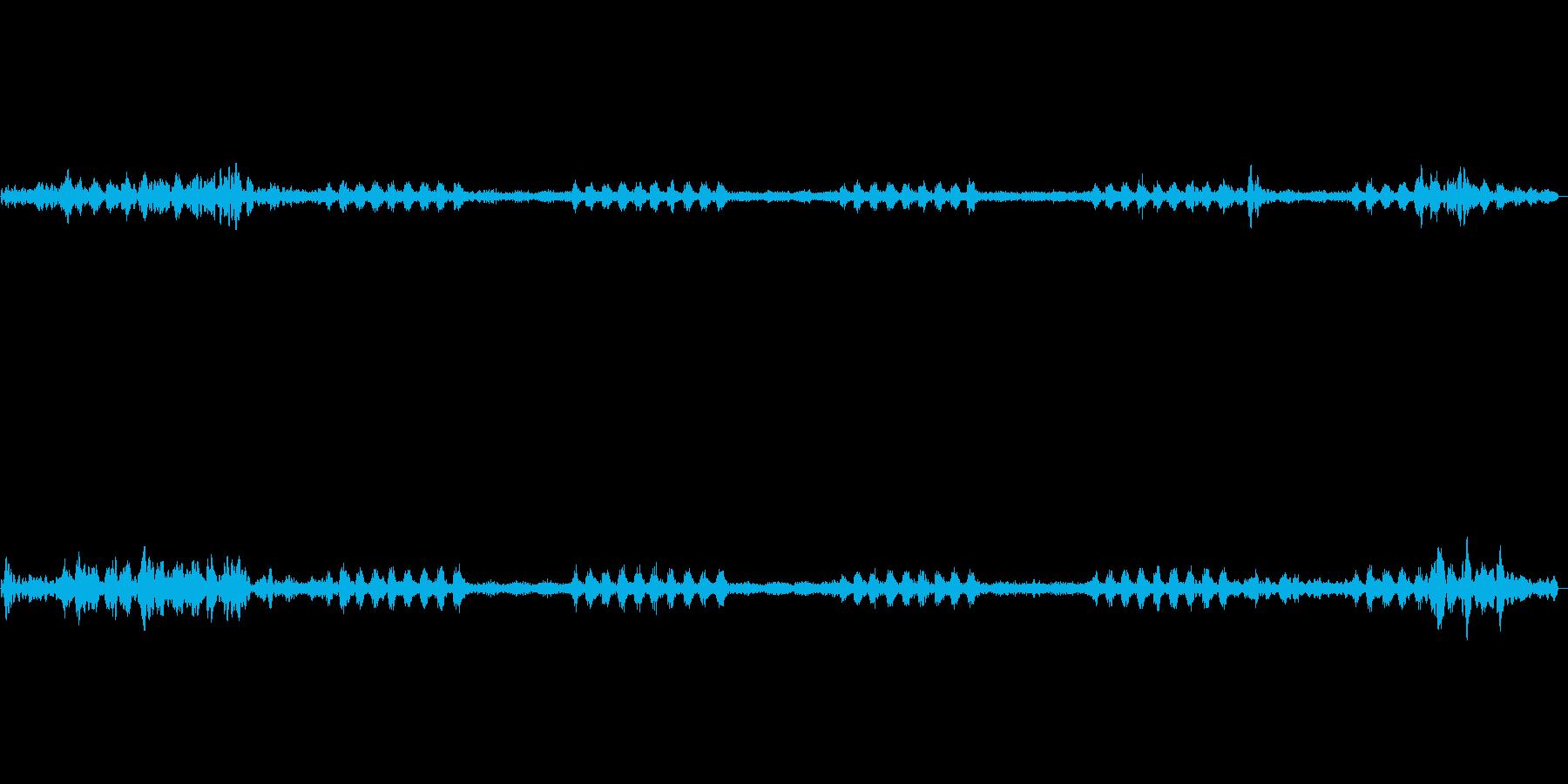 秋の虫の声が続く効果音の再生済みの波形
