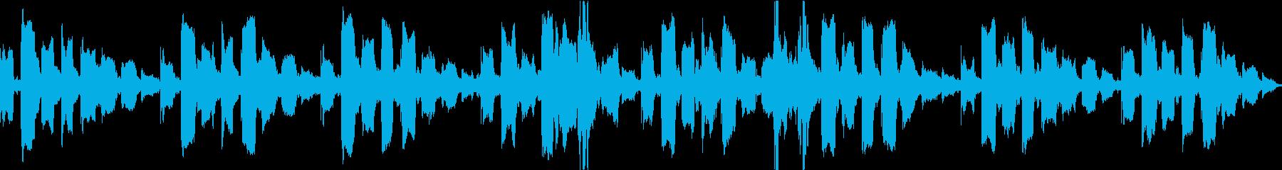 不安定なリコーダーと子供の笑い声のループの再生済みの波形