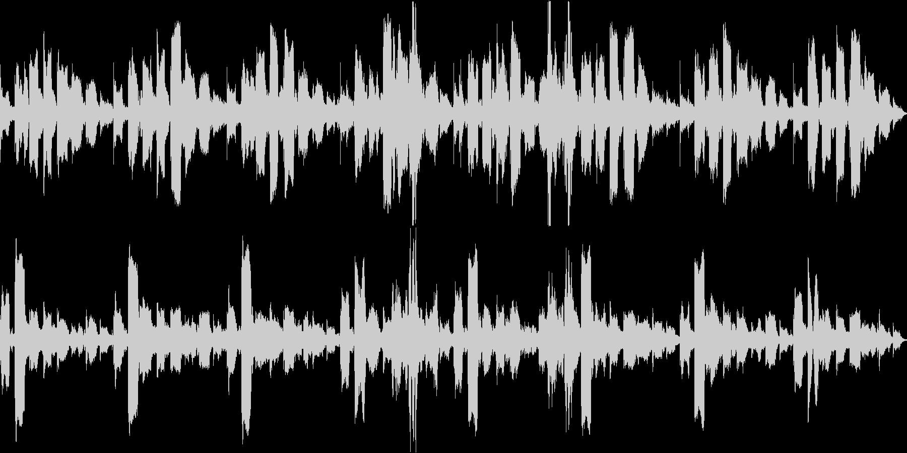 不安定なリコーダーと子供の笑い声のループの未再生の波形