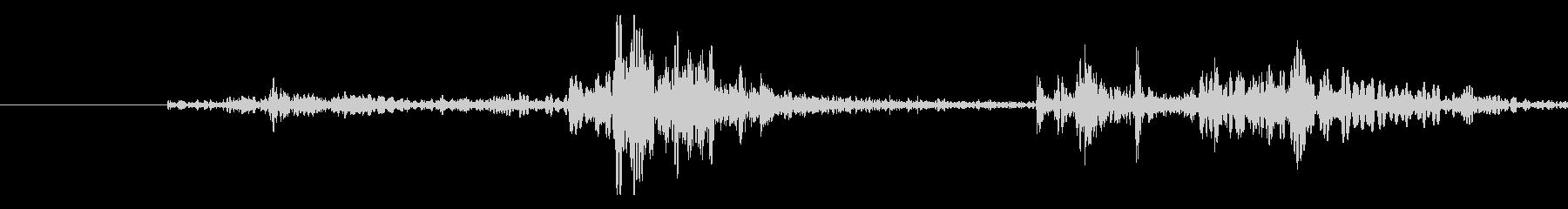 シュワヨン、というスワイプ音ぽい音です。の未再生の波形