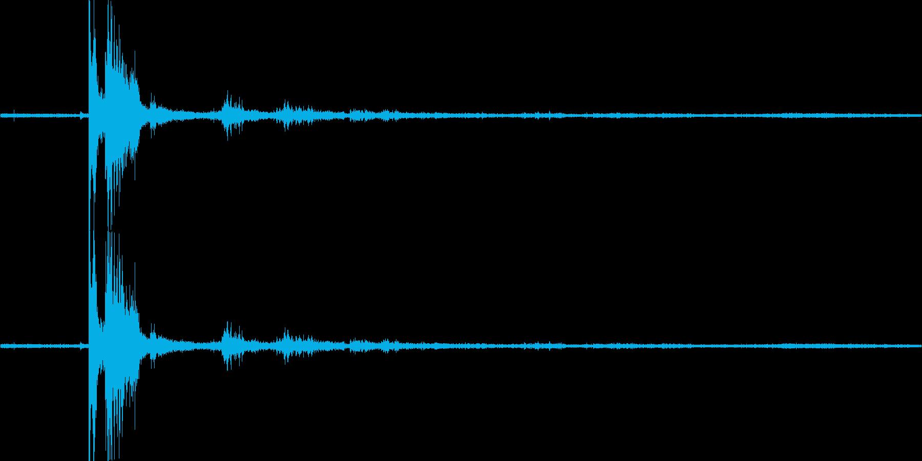 【生音】落雷01 - 嵐・豪雨 「どか…の再生済みの波形