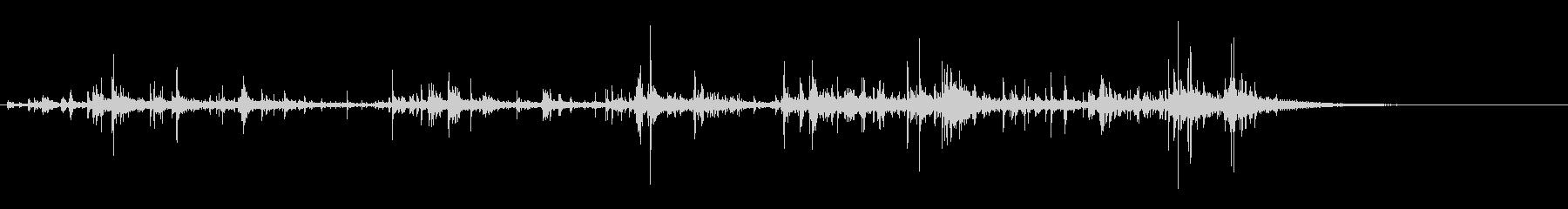 「カラカラ〜」ウッドチャイムの音リバーブの未再生の波形