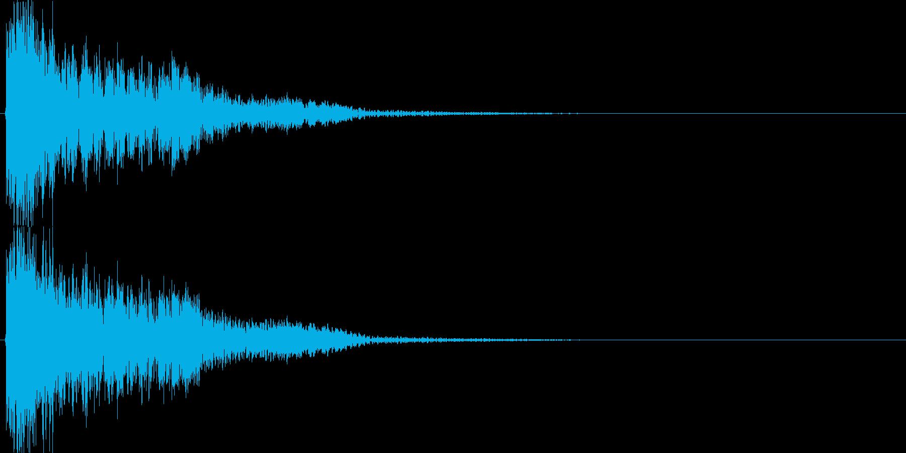 ゴーン(大剣VS硬い金属、重い)の再生済みの波形