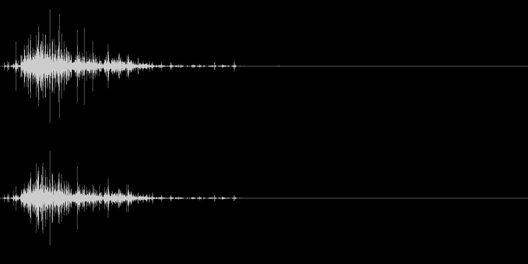水などをコップに注ぐ音の未再生の波形