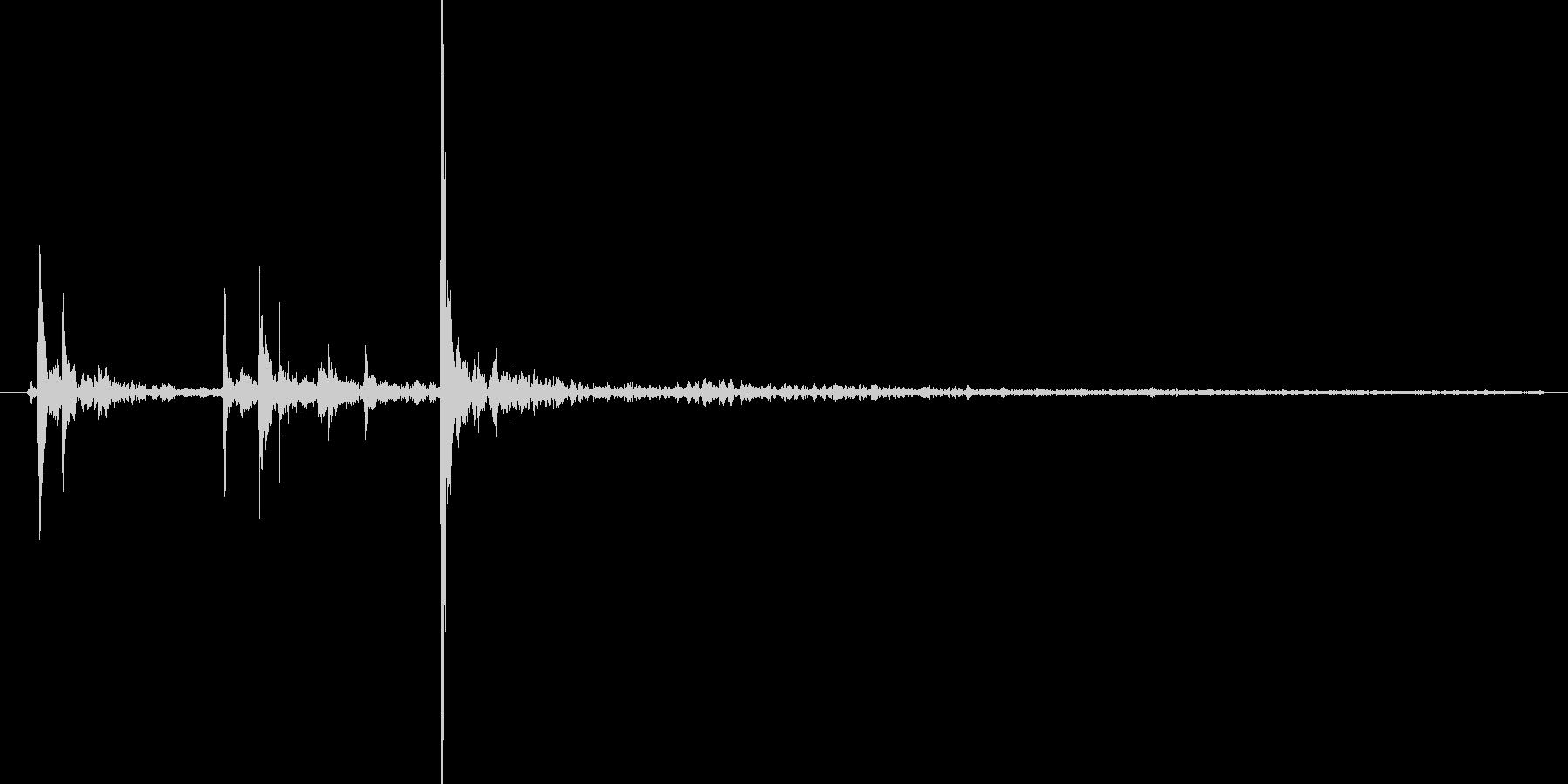 水滴、水の落ちる音です 11の未再生の波形