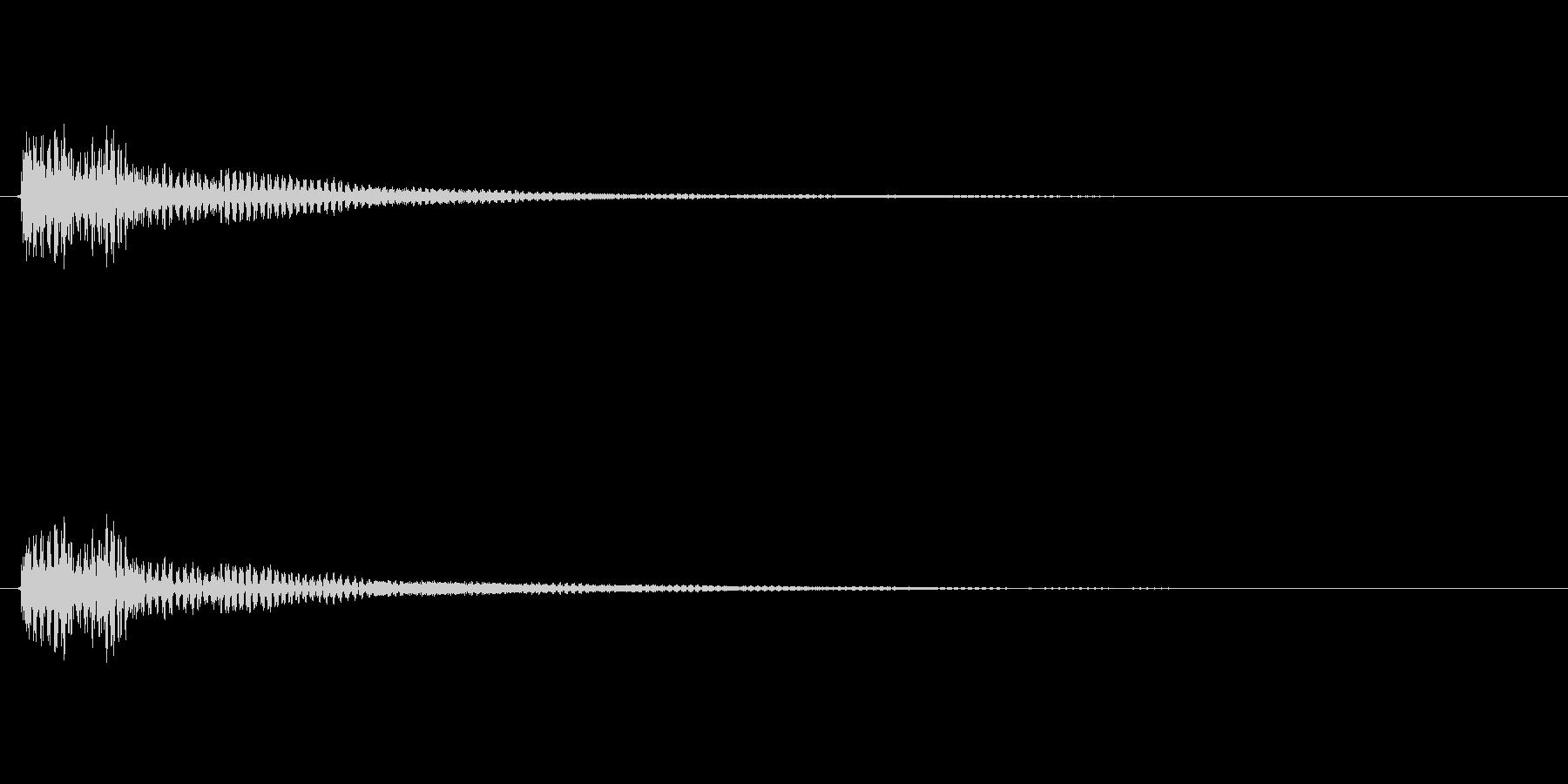 ミスタッチ時などのブザー音です。丸みの…の未再生の波形