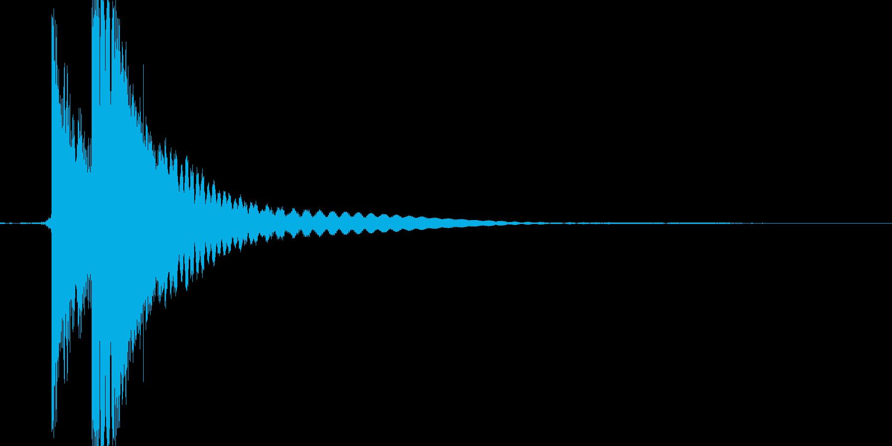 チン。グラス/コップをぶつける音の再生済みの波形