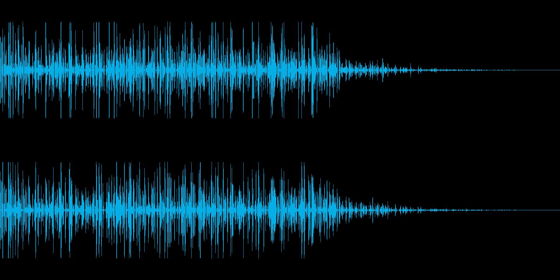 ロボット、コンピューター、計算音の再生済みの波形
