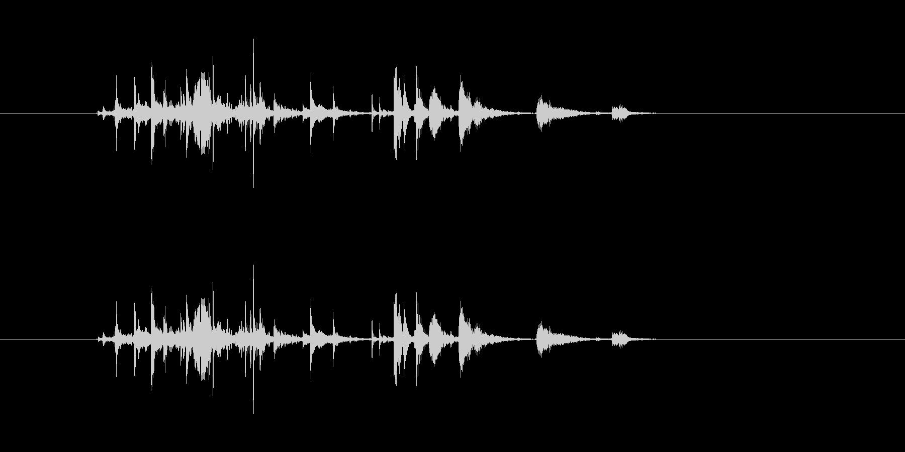 金属音(小銭落下、武器装備などなど)の未再生の波形