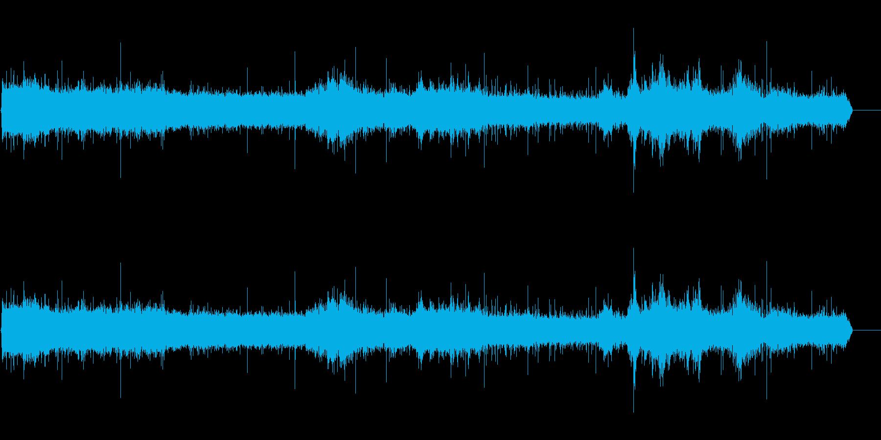 大雨と雷の混ざったSE(ザーザー)の再生済みの波形