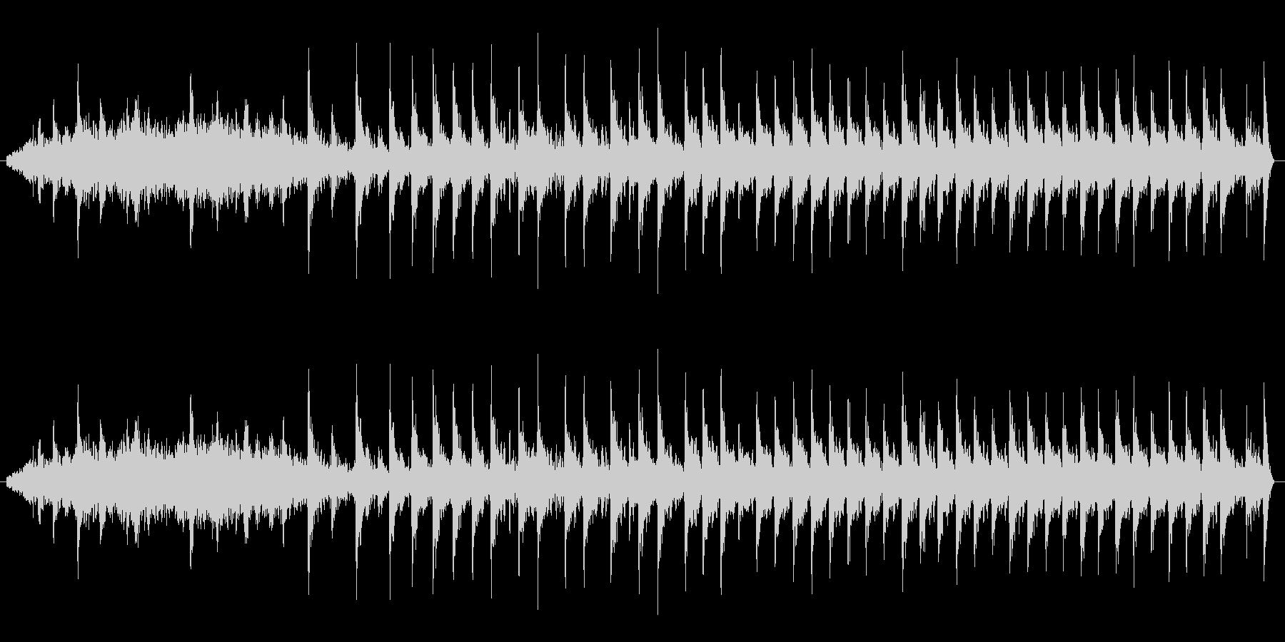 【生音】ギュルルドドド。原付エンジン音の未再生の波形