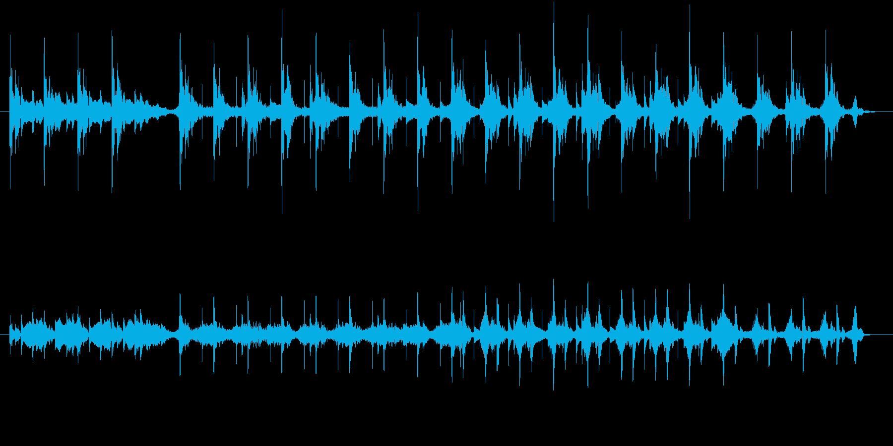 ピアノのピッチをずらし 不気味さを演出の再生済みの波形