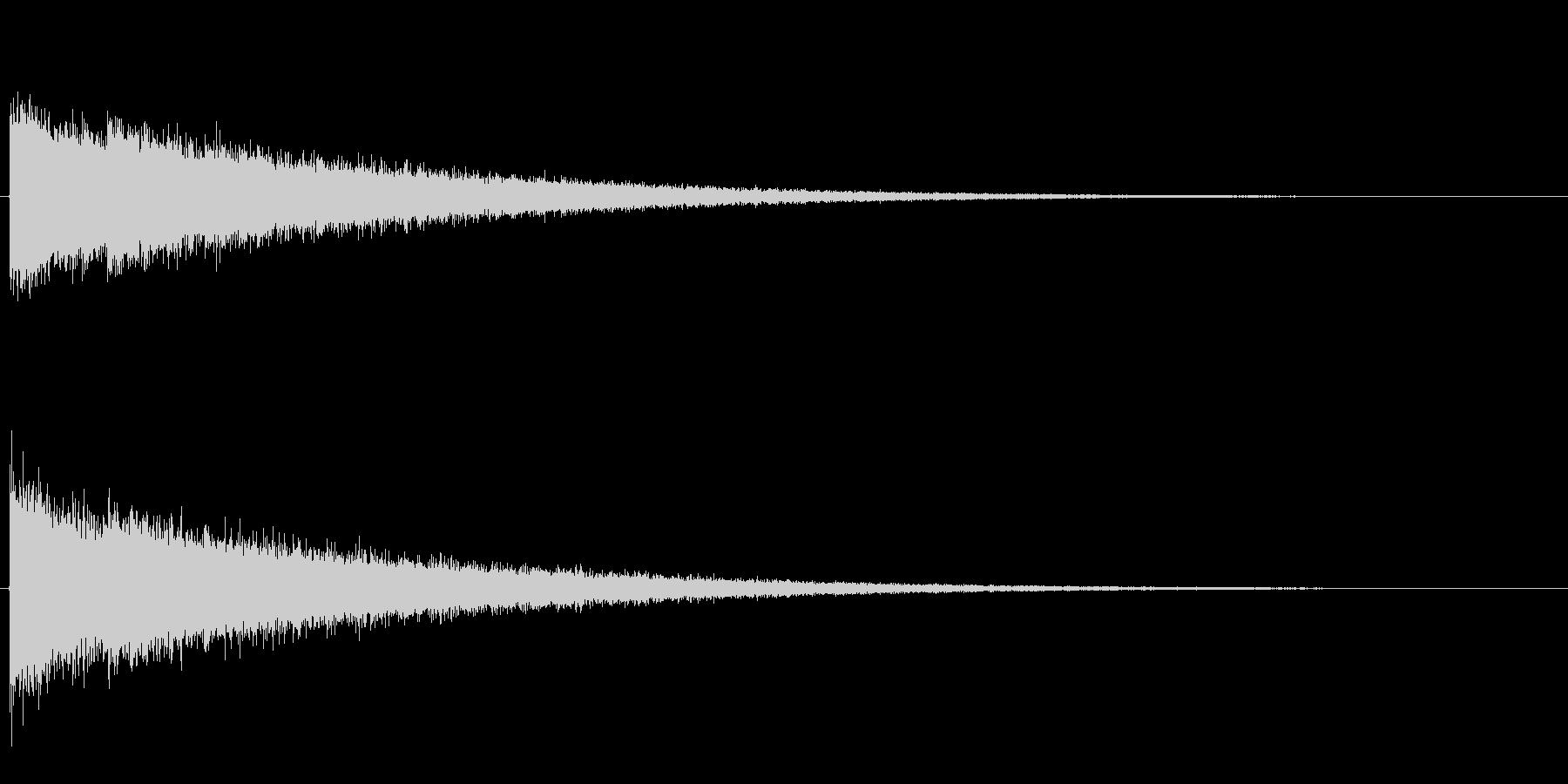 シャン、シャン、シャン・・・と高音がエ…の未再生の波形