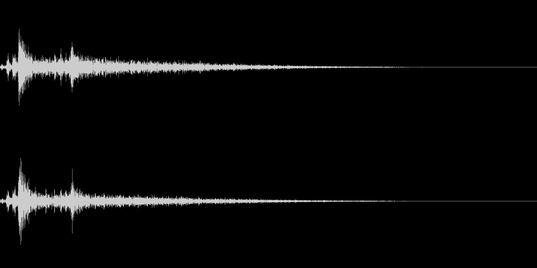ライトイン(照明がつく音)の未再生の波形