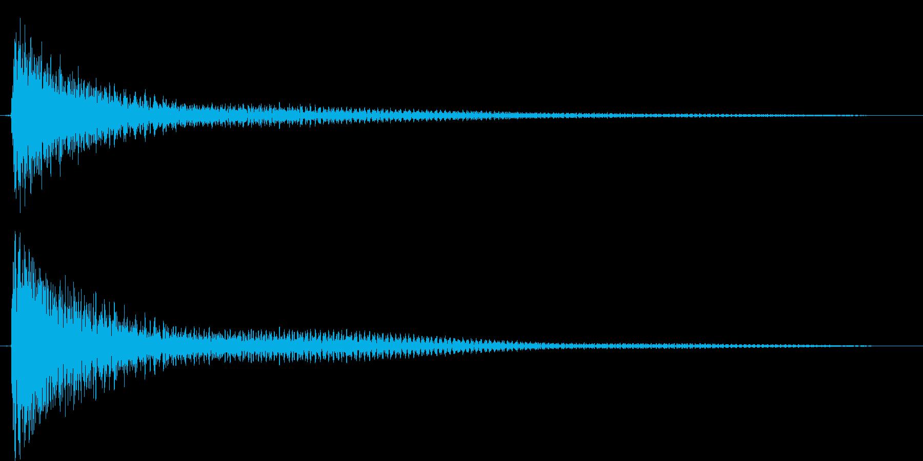 ガーンと言うショックなピアノ効果音高音の再生済みの波形