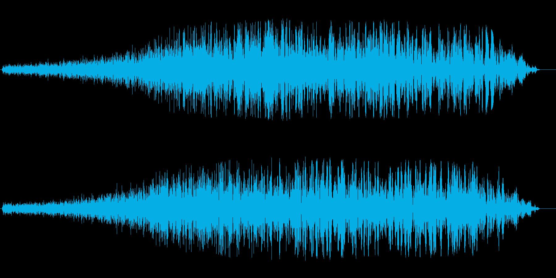 透明感のある、接近してくる風音の再生済みの波形