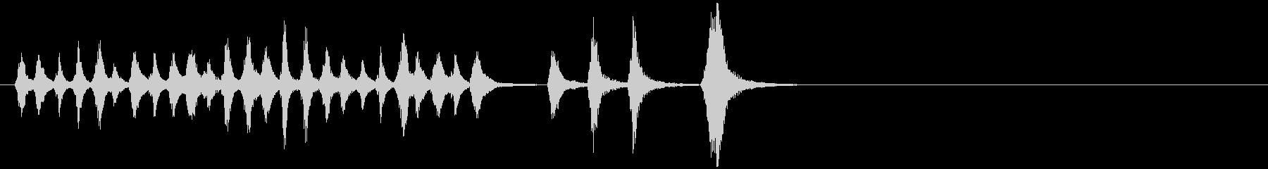 静かな電子音がミステリアスなバラードの未再生の波形