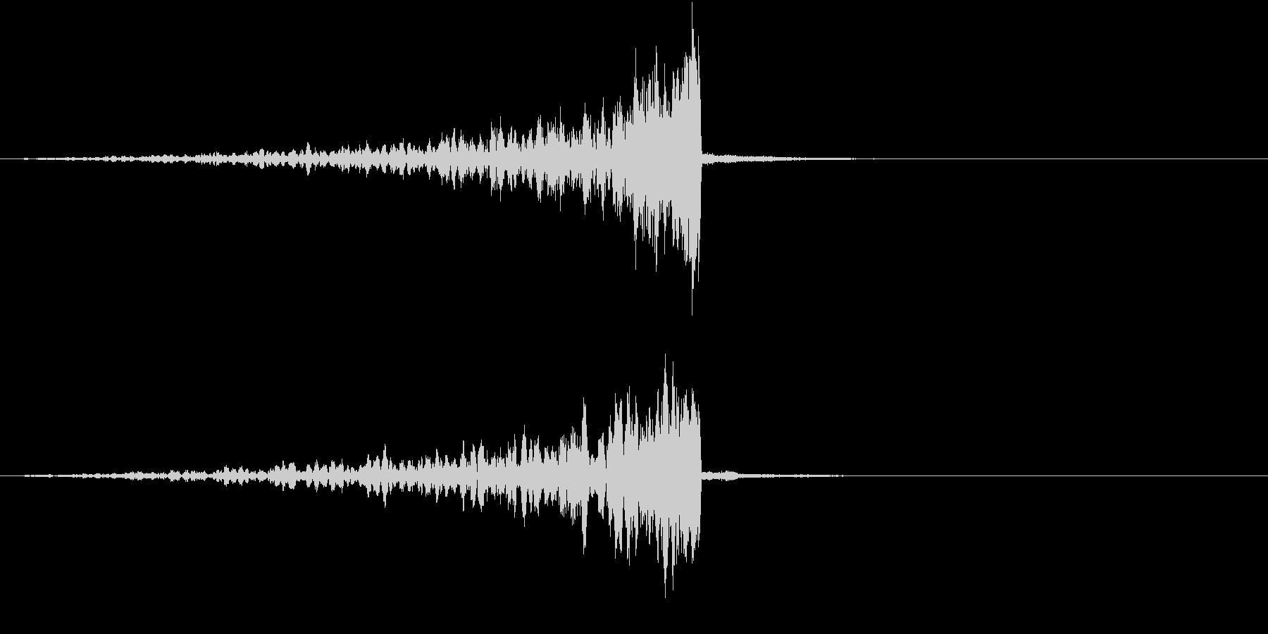 シグナルが発信されていくイメージの未再生の波形