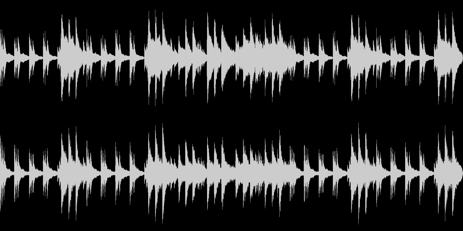 静寂の中で流れる神秘的なピアノloopの未再生の波形