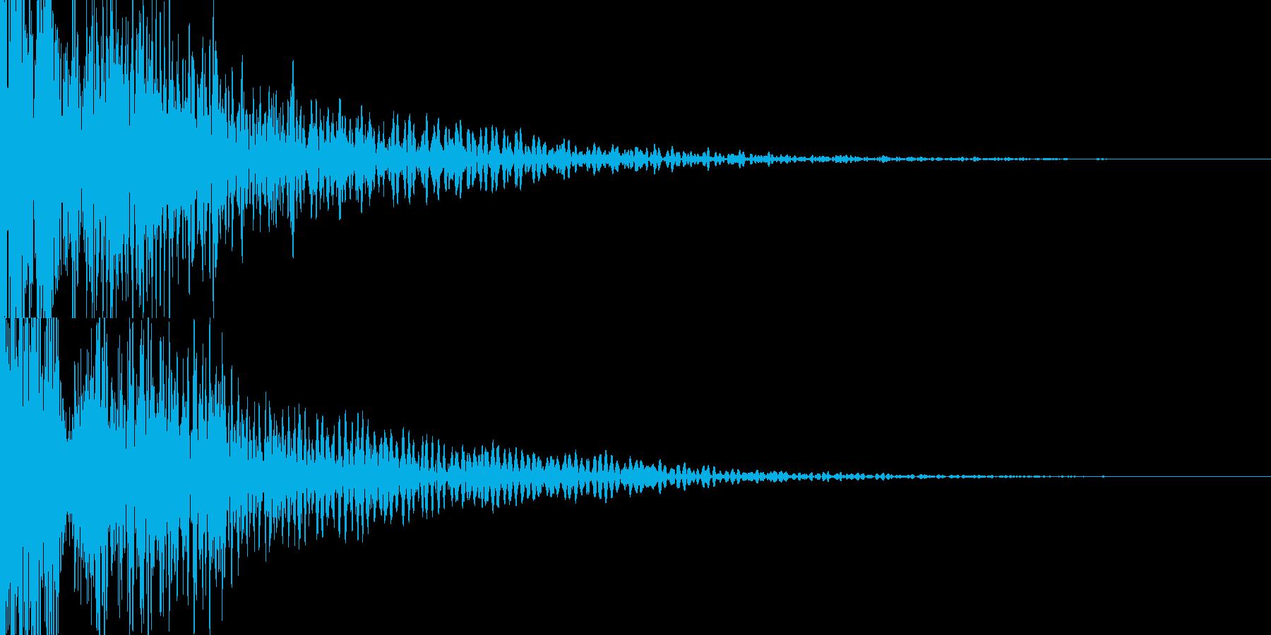 壮大で強いインパクト低音・映画の予告編の再生済みの波形