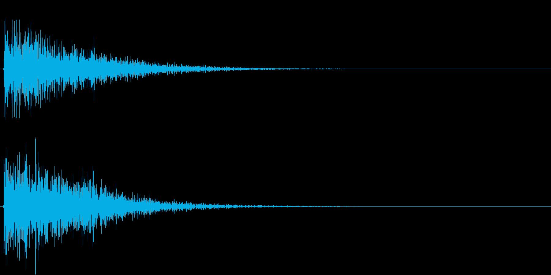 爆発もしくは衝突した時の音です。様々な…の再生済みの波形