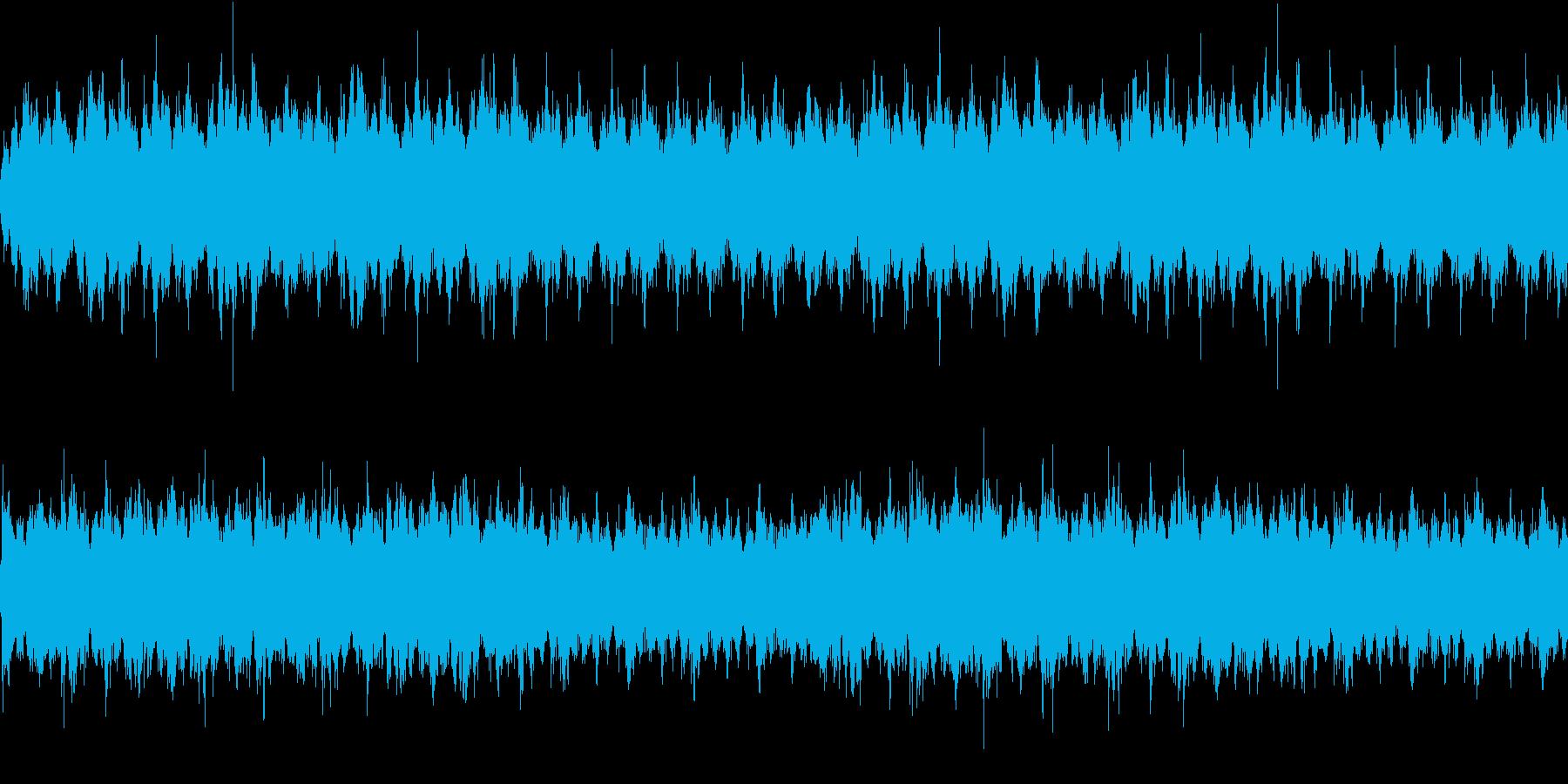 ノイズやドローンのホラーで使われる系の曲の再生済みの波形