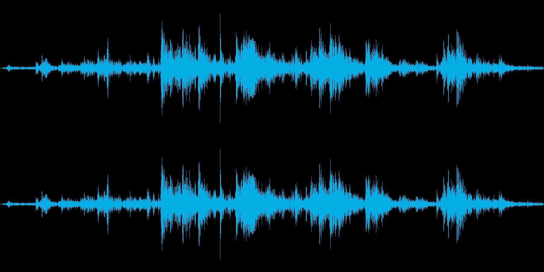 氷を入れる音(シャカ、カラン)の再生済みの波形