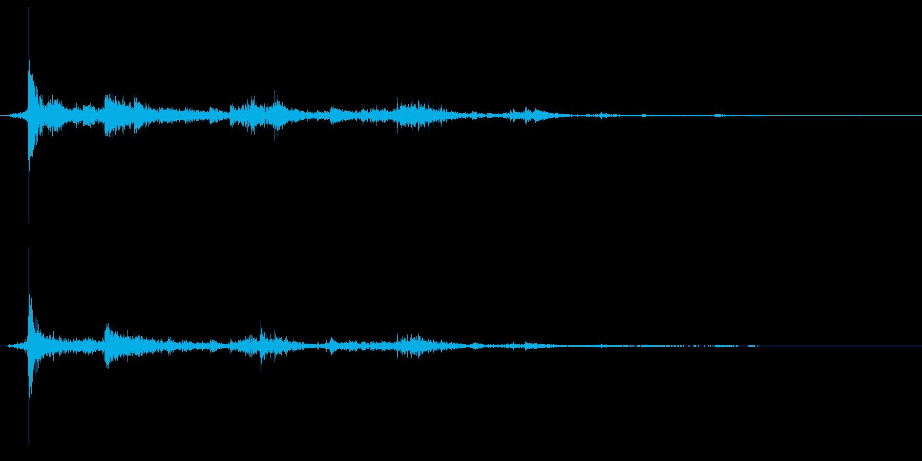 ガシャン、とグラスが割れる音ですの再生済みの波形