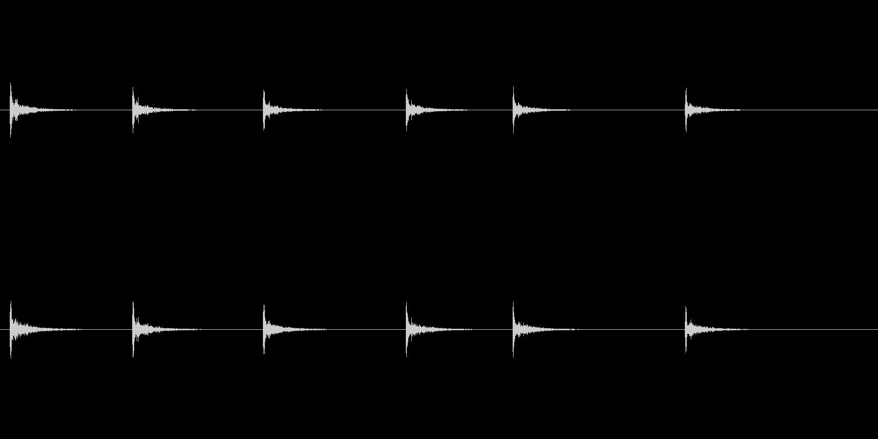 カッターナイフを出す音の未再生の波形