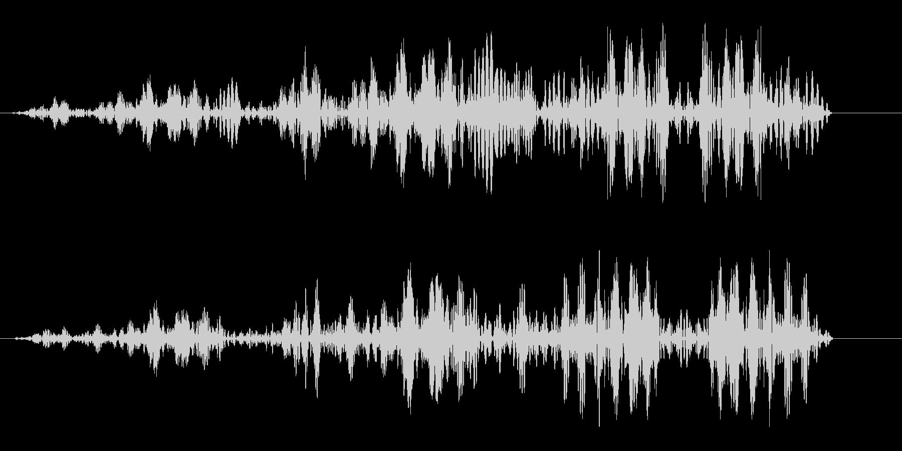 ヒュルヒュル(ロープが巻き取られる音)の未再生の波形